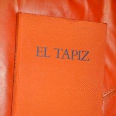 Libros de segunda mano: HISTORIA DE UN ARTE EL TAPIZ , SKIRA 1985. Lote 108335463