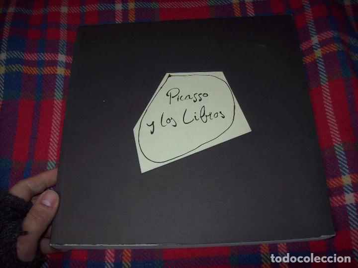 Libros de segunda mano: PICASSO Y LOS LIBROS. FUNDACIÓN BANCAJA. FOTOGRAFÍAS : JUAN GARCÍA ROSELL. 2005. VER FOTOS. - Foto 3 - 111742759
