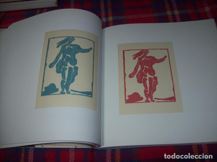 Libros de segunda mano: PICASSO Y LOS LIBROS. FUNDACIÓN BANCAJA. FOTOGRAFÍAS : JUAN GARCÍA ROSELL. 2005. VER FOTOS. - Foto 15 - 111742759