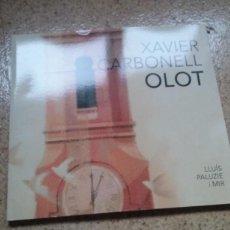 Libros de segunda mano: LLIBRE DEL PINTOR XAVIER CARBONELL OLOT. Lote 111222439