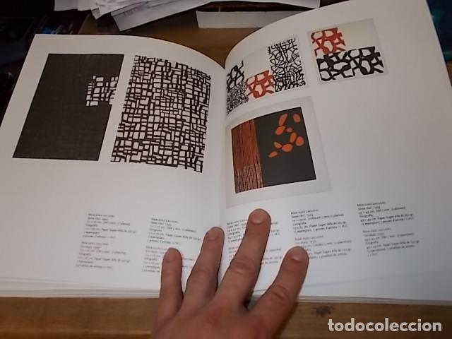 Libros de segunda mano: 10 ANYS TALLERS DOBRA GRÀFICA FUNDACIÓ PILAR I JOAN MIRÓ. CASAL SOLLERIC. AJUNTAMENT DE PALMA. 2004 - Foto 15 - 195507465