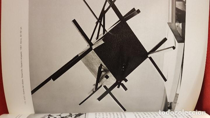 Libros de segunda mano: LA ESCULTURA DE PABLO SERRANO DE EDUARDO WESTERDAHL EDICIONES POLÍGRAFA 1977 - Foto 4 - 204334116