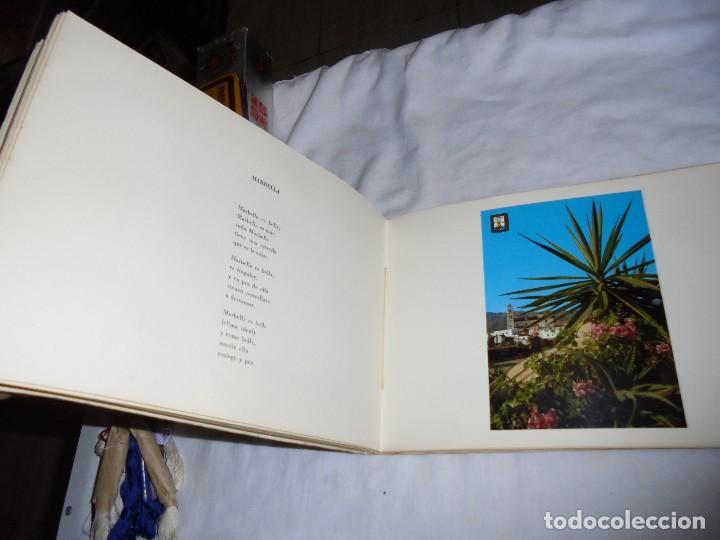Libros de segunda mano: POSTALES MALAGUEÑAS.ALBUM CON POESIA.ORIGINAL DE JULIA ROMERO PORRAS.MALAGA 1970 - Foto 5 - 125450191