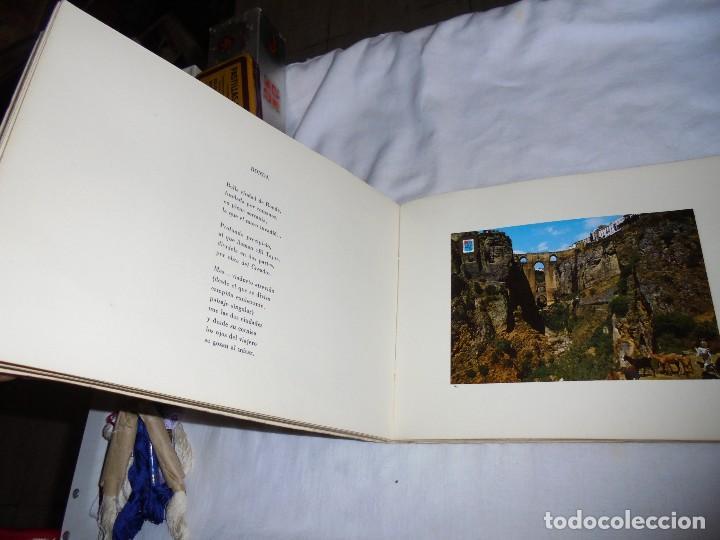 Libros de segunda mano: POSTALES MALAGUEÑAS.ALBUM CON POESIA.ORIGINAL DE JULIA ROMERO PORRAS.MALAGA 1970 - Foto 6 - 125450191