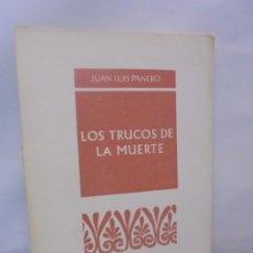 Libros de segunda mano: LOS TRUCOS DE LA MUERTE. JUAN LUIS PANERO.PROVINCIA COLECCION DE POESIA. 1975 1ª EDICION.. Lote 218578091