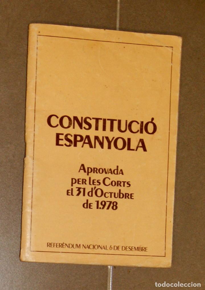 CONSTITUCIÓ ESPANYOLA BILINGÜE 1978 (Libros de Segunda Mano - Pensamiento - Política)