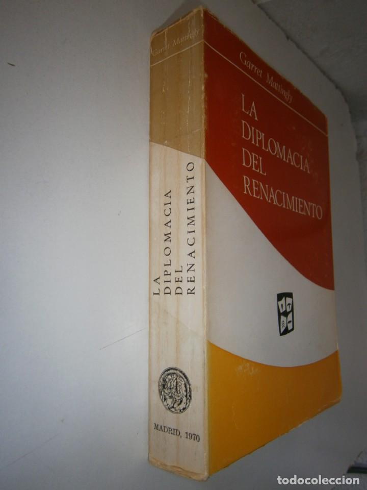 Libros de segunda mano: LA DIPLOMACIA DEL RENACIMIENTO Garrety Mattingly Estudios Politicos 1970 - Foto 3 - 154951342