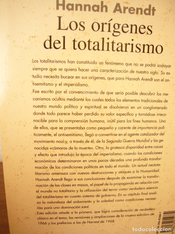 Libros de segunda mano: HANNAH ARENDT: LOS ORÍGENES DEL TOTALITARISMO. COMPLETO EN UN VOL. (TAURUS, 1998) MUY RARO - Foto 4 - 178608050