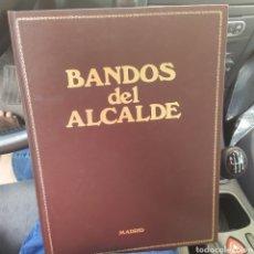 Libros de segunda mano: BANDOS DEL ALCALDE ENRIQUE TIERNO GALVÁN MADRID 1985 TAPA DURA PIEL ILUSTRACIONES. Lote 214908348
