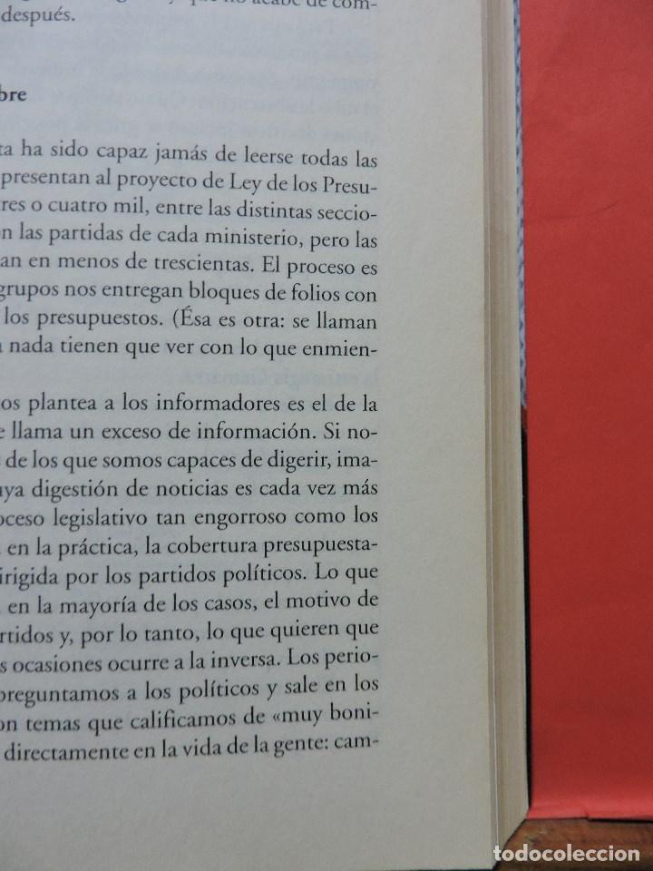 Libros de segunda mano: Bajo las alfombras del congreso. Cómo son los políticos cuando creen que nadie les ve. GARAT, Ketty. - Foto 2 - 236520720