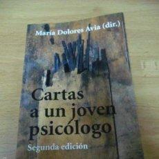 Libros de segunda mano: CARTAS A UN JOVEN PSICÓLOGO - MARÍA DOLORES AVIA (DIR.) ALIANZA EDITORIAL . Lote 112968479