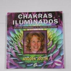 Libros de segunda mano: CHAKRAS ILUMINADOS. UN VIAJE VISIONARIO A TU MUNDO INTERIOR. ANODEA JUDITH. TDK46. Lote 38526191