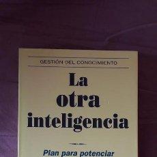 Libros de segunda mano: LA OTRA INTELIGENCIA - ADELE B. LYNN - ED. URANO 2006. Lote 102212006