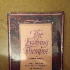 Libros de segunda mano: THE EVOLVING THERAPIST (SIMON / BARRILLEAUX / WYLIE / MARKOWITZ). Lote 114487135