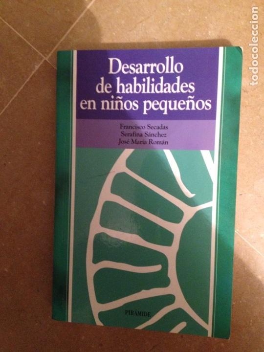DESARROLLO DE HABILIDADES EN NIÑOS PEQUEÑOS (VV. AA.) PIRÁMIDE (Libros de Segunda Mano - Pensamiento - Psicología)