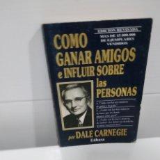 Libros de segunda mano: COMO GANAR AMIGOS E INFLUIR SOBRE LAS PERSONAS . Lote 174377255