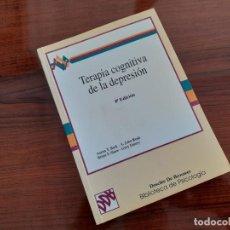 Libros de segunda mano: TERAPIA COGNITIVA DE LA DEPRESIÓN. BECK, A.T. RUSH, A.J. ED. DESCLÉE DE BROUWER.. Lote 290889023