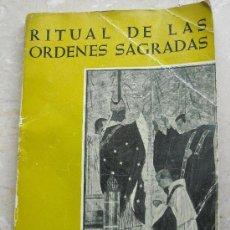 Libros de segunda mano: RITUAL DE LAS ORDENES SAGRADAS. ABADIA DE MONTSERRAT 1958.. Lote 26538492