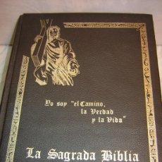 Libros de segunda mano: LA SAGRADA BIBLIA -TAPA DE PIEL FILO DORADO-1975 BARCELONA -1266 PAG VER FOTOS. Lote 38358159