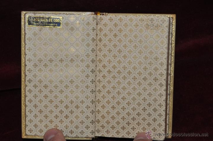 Libros de segunda mano: LUJOSO DEVOCIONARIO DEL AÑO 1950. ED. REGINA. TAPAS PERGAMINO - Foto 4 - 44464973