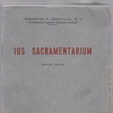 Libros de segunda mano: IUS SACRAMENTARIUM. EDUARDUS F. REGATILLO, S. I. EDIT. SAL TERRAE. SANTANDER 1960. Lote 50133237