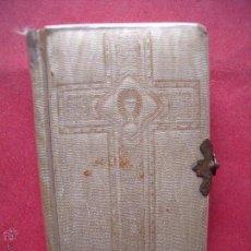 Libros de segunda mano: LUIS RIBERA.-DIVINO JESUS.-DEVOCIONARIO COMPLETO PARA LA PRIMERA COMUNION.-RELIGION.-BARCELONA.-1947. Lote 53733473
