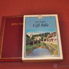Libros de segunda mano: THE HOLY BIBLE OXFORD UNIVERSITY PRESS. Lote 54497842