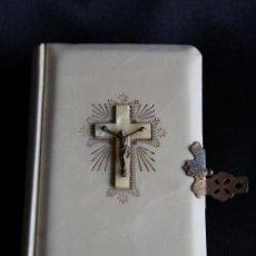 Livros em segunda mão: LIBRO MISAL, DEVOCIONARIO PRIMERA COMUNION 1951 P.LUIS RIBERA CON CRUZ. Lote 50978315