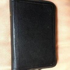 Libros de segunda mano: BIBLIA ALEMANA CON FUNDA - DIE BIBLE - MARTIN LUTERO - PERLBIBEL STUTTGART GERMANY 1967 CORTE DORADO. Lote 67987413