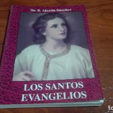 Libros de segunda mano: LIBRO LOS SANTOS EVANGELIOS . Lote 90572880