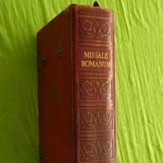 Libros de segunda mano: MISSALE ROMANUM. MISAL ROMANO. EDITORIAL BALMES, 1953. CIERRES METÁLICOS. ALGUNAS HOJAS QUEMADAS. Lote 95964371
