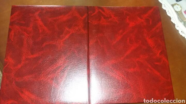 Libros de segunda mano: BIBLIA JUVENIL DOS TOMOS ENCUADERNADOS EN PIEL - Foto 2 - 97984338