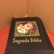 Libros de segunda mano: SAGRADA BIBLIA, GRAN TAMAÑO, DE JUAN STRAUBINGER. MUY ILUSTRADA, CON LAS 14 ESTACIONES...LEER MAS.... Lote 106093875