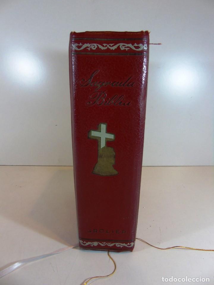 Libros de segunda mano: Antigua sagrada Biblia version castellana Ed.Grolier, año 1957 - Foto 3 - 204199786