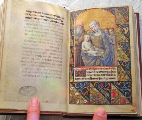 Libros de segunda mano: Facsímil íntegro del Oficio de la Virgen (s. XVI), edición de lujo con libro de estudios en español - Foto 11 - 111675671