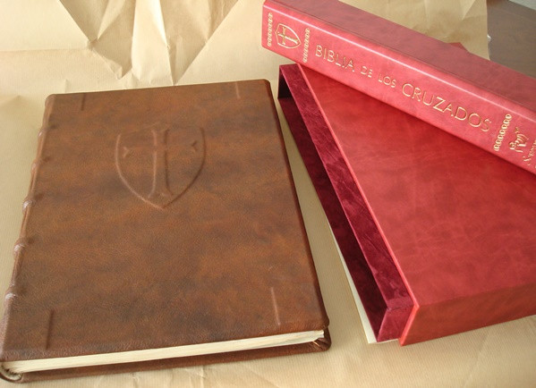 Libros de segunda mano: La Biblia de los Cruzados, s. XIII, en pergamino natural (5*+). Facsímil. Scriptorium - Foto 6 - 111949443