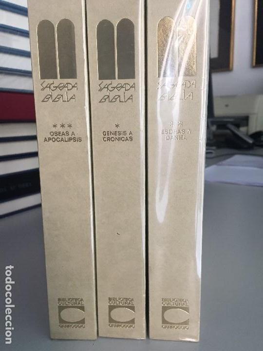 Libros de segunda mano: La Sagrada Biblia, 3 tomos, ilustrada - Foto 2 - 122795443