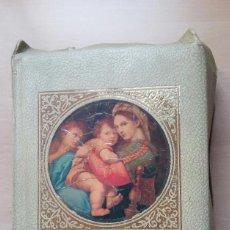 Libros de segunda mano: SAGRADA BIBLIA- EDICIÓN FAMILIAR CATÓLICA-. Lote 129480559