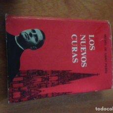 Libros de segunda mano: LOS NUEVOS CURAS. Lote 136223210