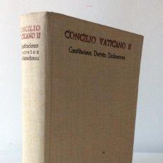 Libros de segunda mano: CONCILIO VATICANO SEGUNDO. CONSTITUCIONES DECRETOS DECLARACIONES. BAC. 1965. Lote 136290886