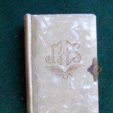 Libros de segunda mano: DEVOCIONARIO PARA NIÑOS MI ANGEL TUTELAR ANTIGUO. Lote 146992098