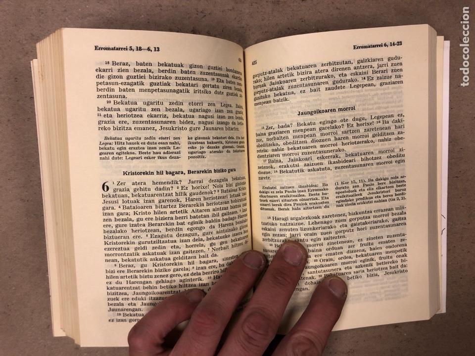 Libros de segunda mano: ITUN BERRIA (NUEVO TESTAMENTO EN EUSKERA). EDITORIAL DIOCESANA 1980. 735 PÁGINAS. - Foto 7 - 168970557