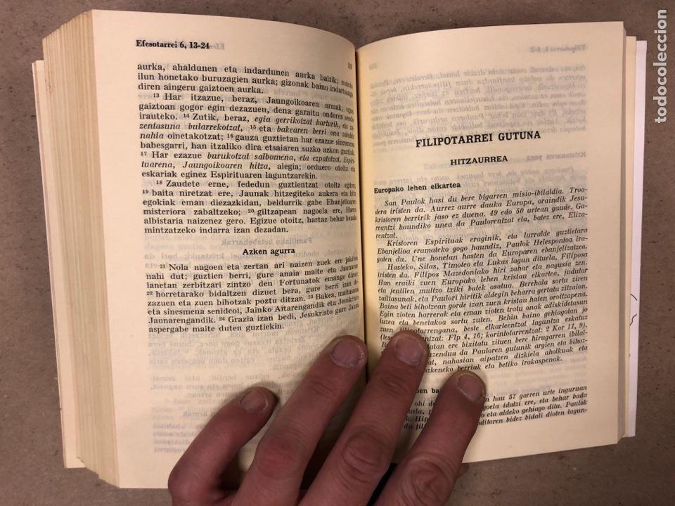 Libros de segunda mano: ITUN BERRIA (NUEVO TESTAMENTO EN EUSKERA). EDITORIAL DIOCESANA 1980. 735 PÁGINAS. - Foto 8 - 168970557