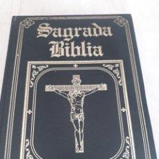 Libros de segunda mano: SAGRADA BIBLIA. Lote 171233068