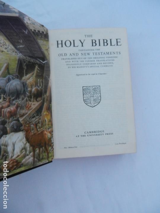 Libros de segunda mano: HOLY BIBLE - CAMBRIDGE AT THE UNIVERSITY PRESS - ILUSTRADA. - Foto 3 - 171705592