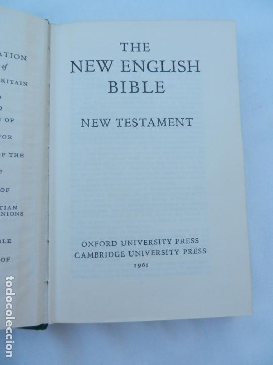 Libros de segunda mano: THE NEW ENGLISH BIBLE - NEW TESTAMENT - OXFORD-CAMBRIDGE UNIVERSITY PRESS 1961. - Foto 2 - 171706212