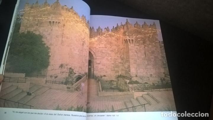 Libros de segunda mano: ESTA TIERRA DE DIOS POR SAMI AWWAD. UNA TIERRA- TRES RELIGIONES. - Foto 5 - 173580002