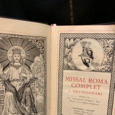 Libros de segunda mano: ANTIGUO MISSAL ROMÀ COMPLET I DEVOCIONARI, AÑO 1957, 1024 PAGS, MIDE APROX 17X10CMS. . Lote 177301664