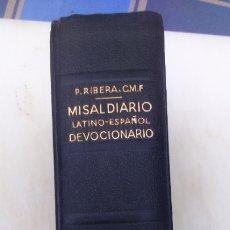 Libros de segunda mano: MISAL DIARIO LATINO-ESPAÑOL Y DEVOCIONARIO - P. LUIS RIBERA - EDITORIAL REGINA 1961. . Lote 177940257