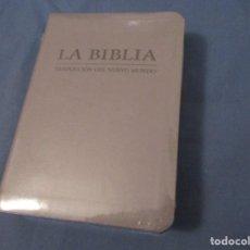 Libros de segunda mano: LA BIBLIA. TRADUCCIÓN DEL NUEVO MUNDO. VERSION 2019. SIN ESTRENAR.. Lote 194242467